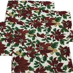 🎄NWOT 4-Piece Poinsettia Placemat Set